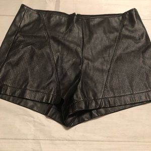 Forever 21 Black Mini Faux Leather Women's Shorts